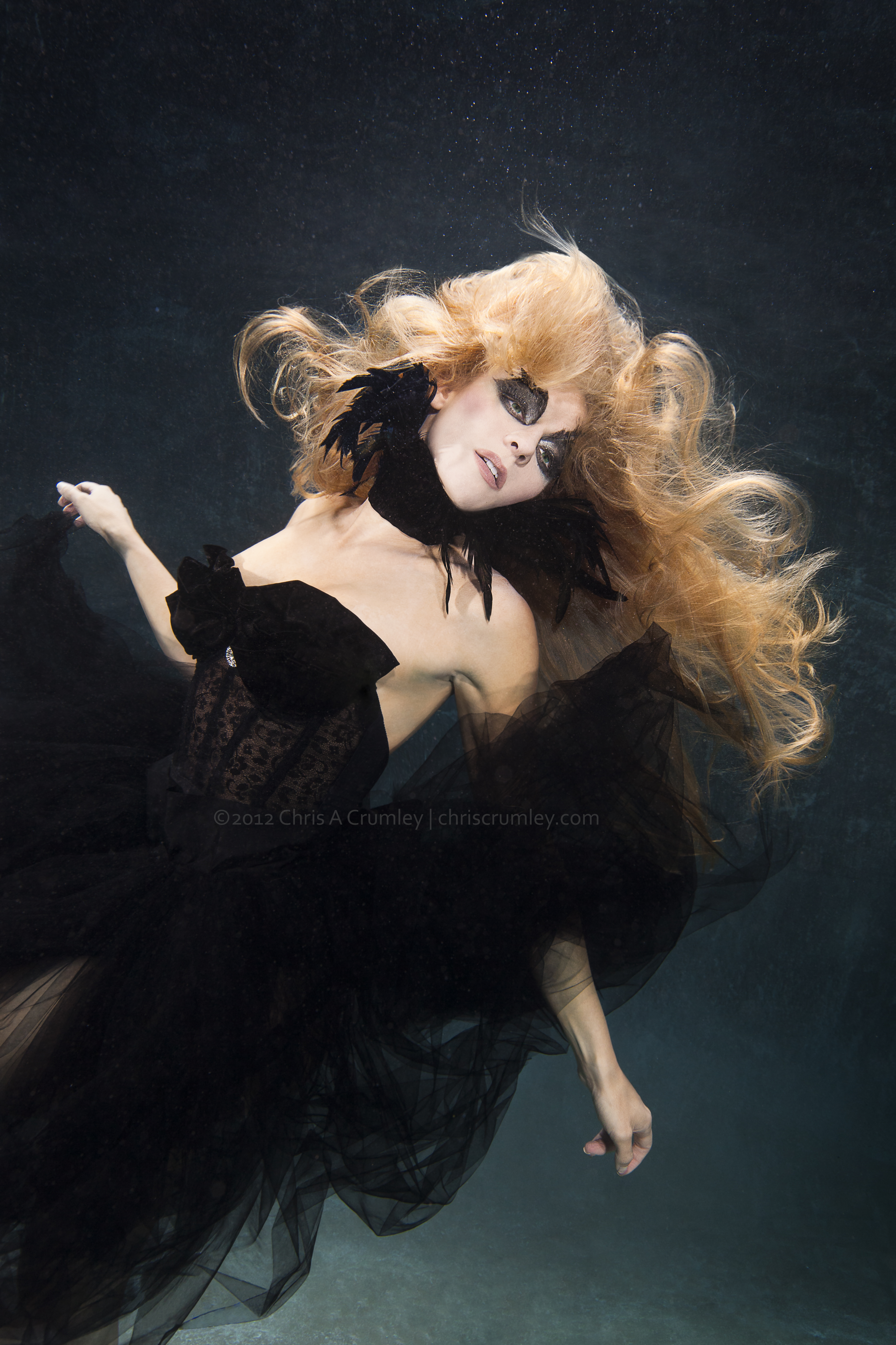 Underwater Fashion - Black