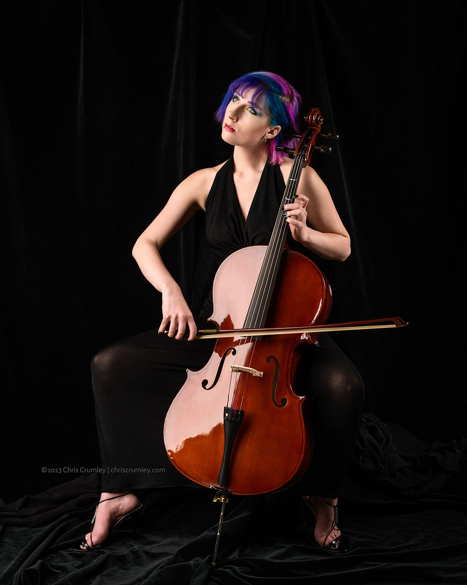 Brynna Raine playing the Cello